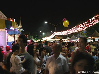 kuching fest crowd