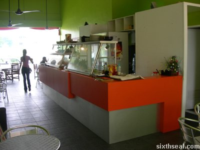 lunch box cafe counter