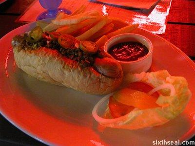 carlos chilli dog