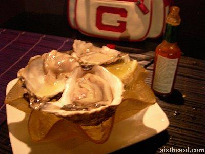 205_oysters_tabasco.jpg