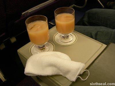 business class hot towel