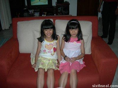 cny06 identical twins