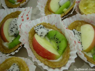 amazing dragon fruit tarts