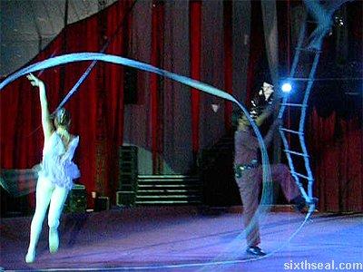 romanian trapeze