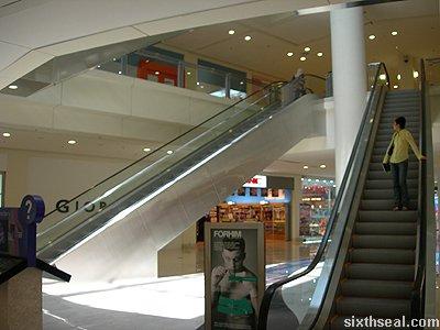 the curve escalators