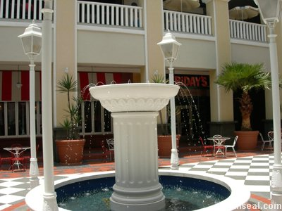 the curve water feature