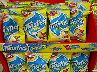 twisties fizz display close