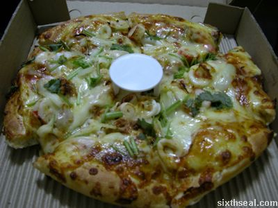 thai_seafood_sensation_pizza.jpg