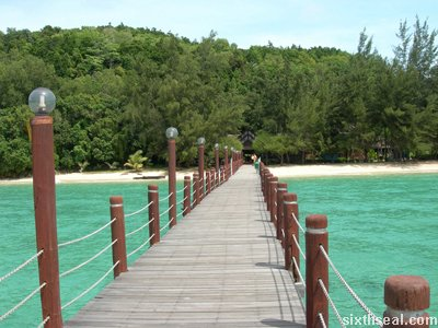 manukan island pier