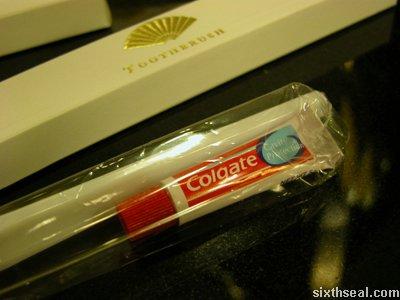 mo toothpaste