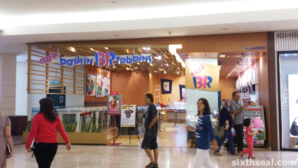 baskin robbins cafe