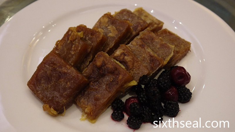 Victoria Frost Berries with Chinese Nian Gao
