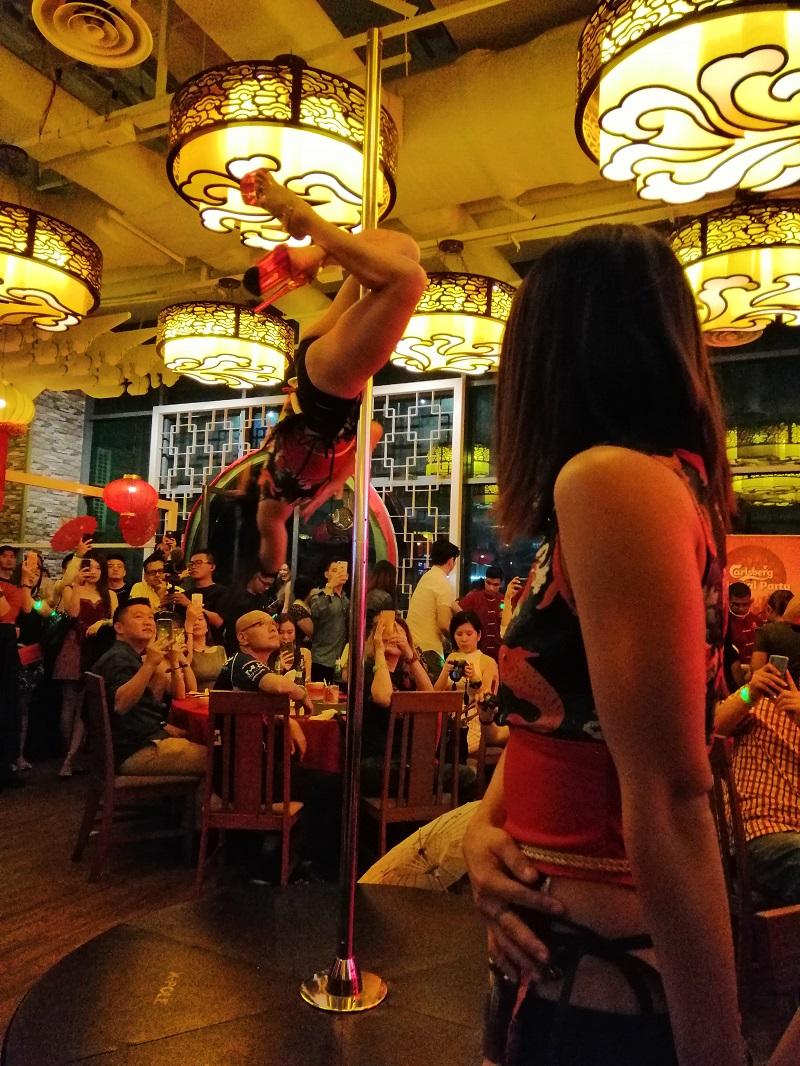 Oriental-Pole-Dancers