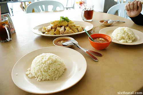 Kee Kee Bentong Chicken Rice meal