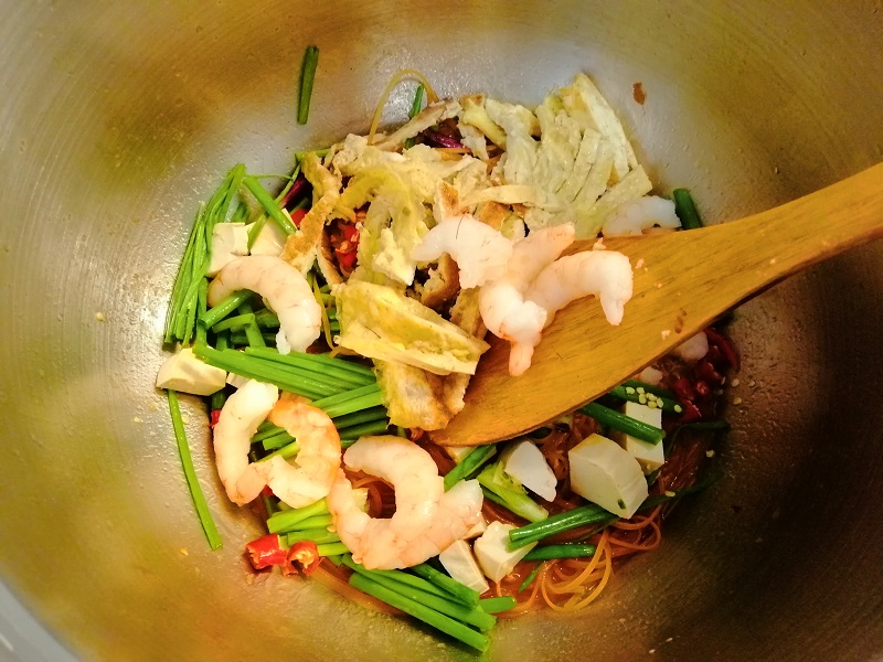 Pad-Thai-Cooking