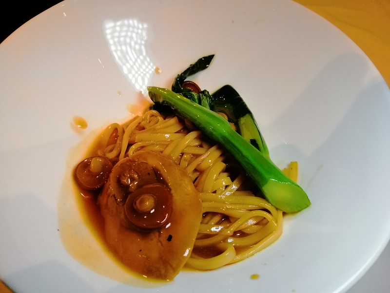 Handmade-Noodle-with-Baby-Abalone