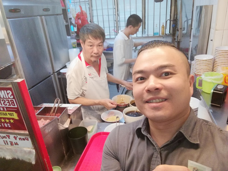 Tai-Hwa-Selfie
