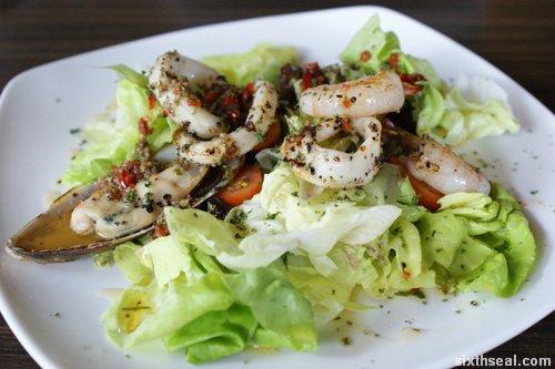 bondi seafood salad
