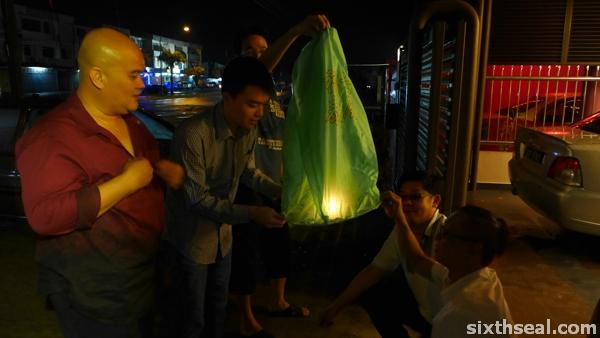 sky lantern cny