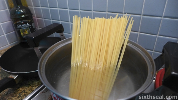 cooking linguine