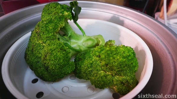 steamed broccoli heads