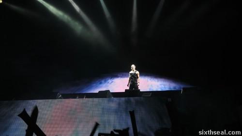 rain concert start