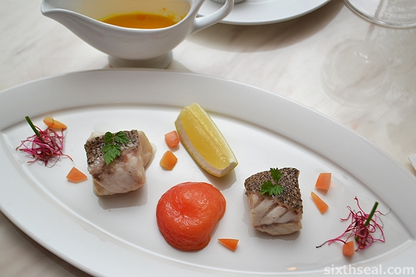 poached grouper white wine