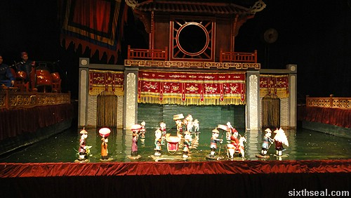 Thang Long Water Puppet Theatre procession