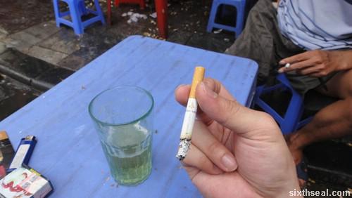 bia hoi cigarette