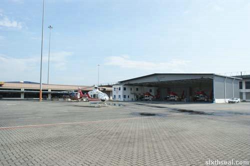 teaser hangar
