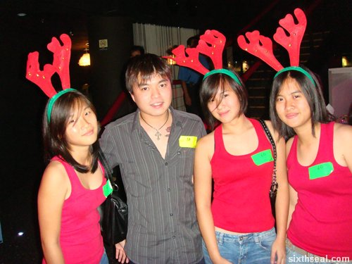 This is the best-dressed group IMHO – they were wearing reindeer antlers and
