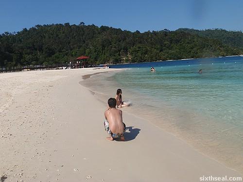 pulau sapi couple