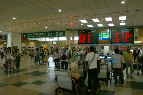 klia lcct tourists