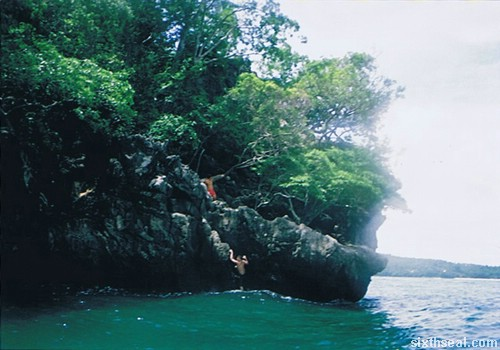 cliff diving climbing