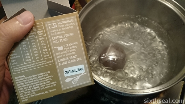 boiling christmas pudding