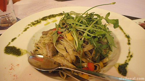 Fettuccine Pesto Beef Rocket Leaves