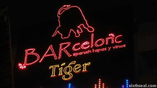 barcelona neon