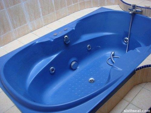 kj hot tub