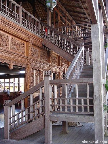 marina stairs