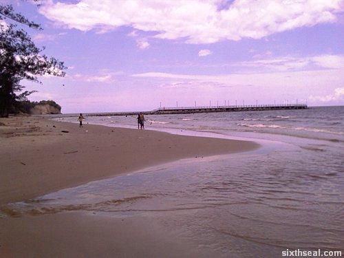 miri beach pier