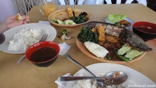 nasi lalapan meal