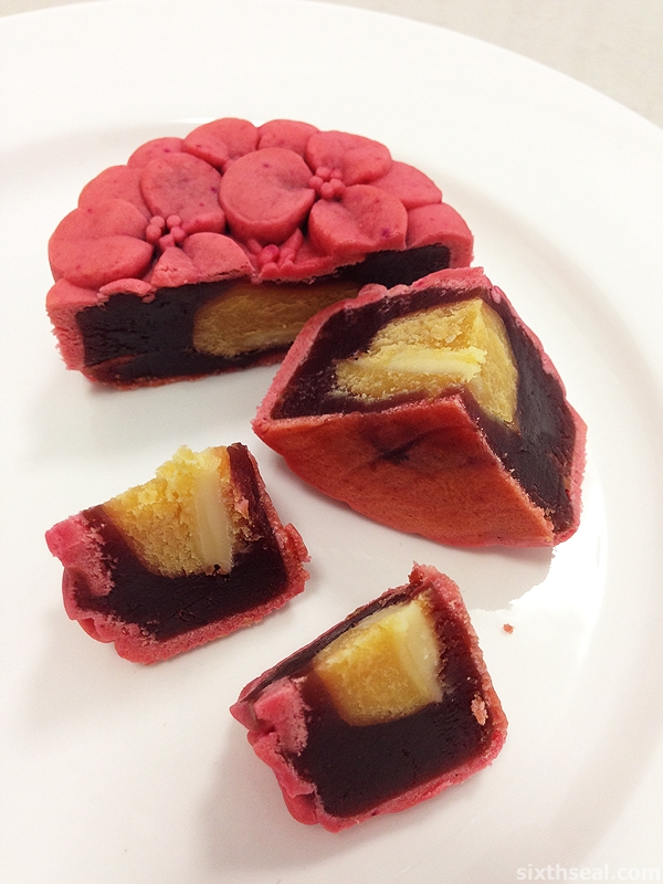 beetroot mooncake