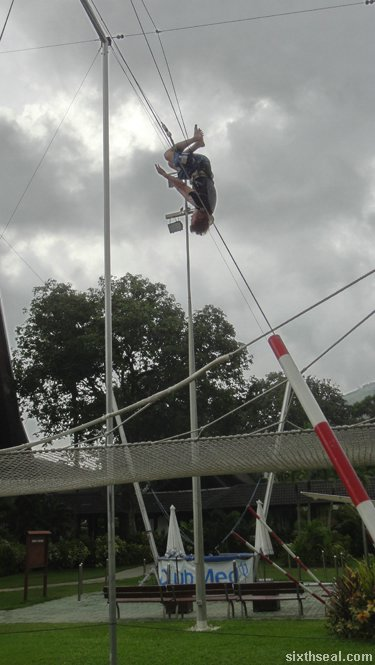 trapeze club med