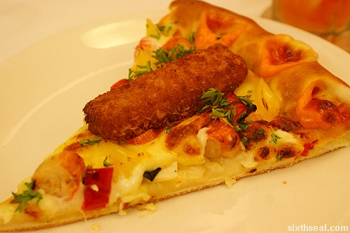 pizza hut king fish pizza slice