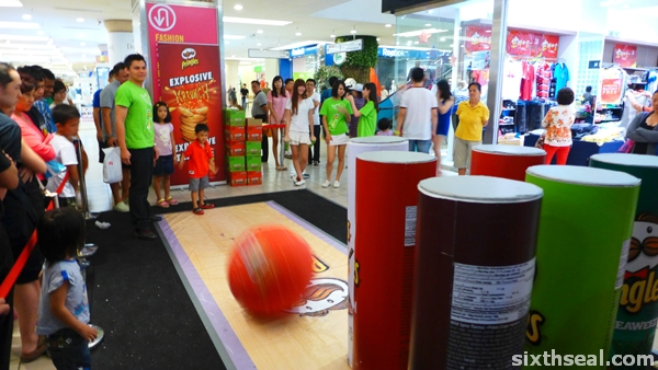 pringles bowling