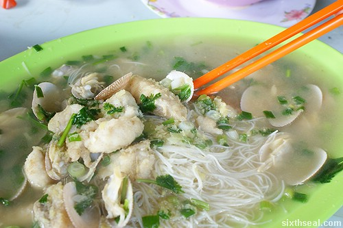 rice vermicelli in wine soup
