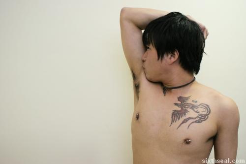 sniff armpit