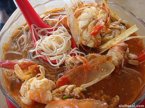asam tom yam mee hoon
